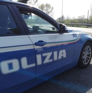 Furti d'auto, folle inseguimento da Barletta a Trani: due arresti